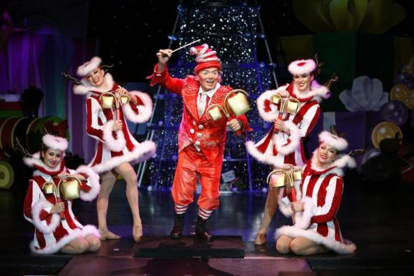 Cirque Dreams: Holidaze at Verizon Theatre at Grand Prairie