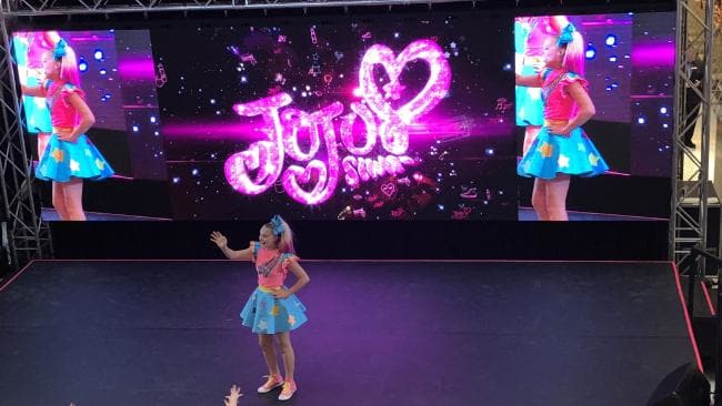JoJo Siwa at Verizon Theatre at Grand Prairie