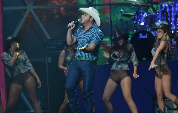 Gerardo Ortiz at Verizon Theatre at Grand Prairie